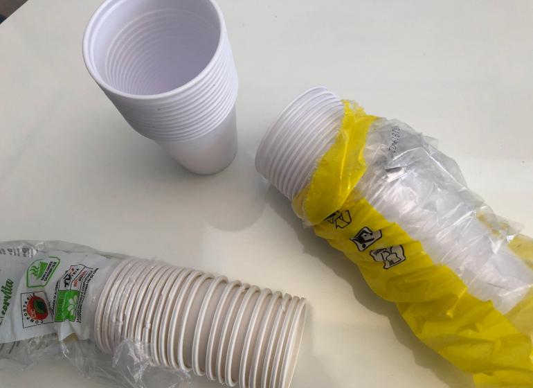 plastica monouso bicchieri